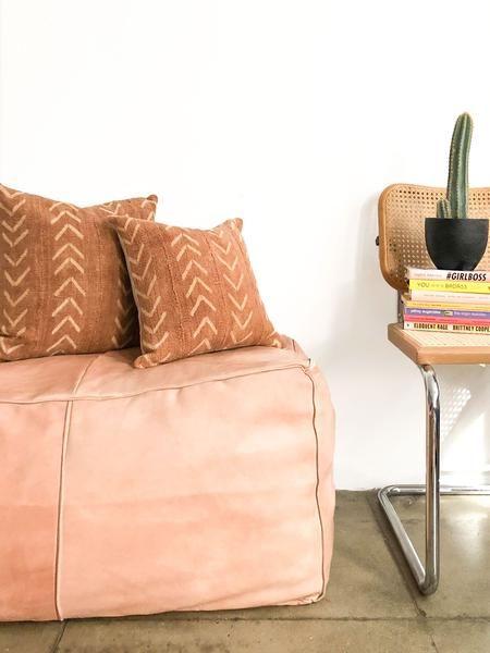 צבעים חומים לחימום הסלון